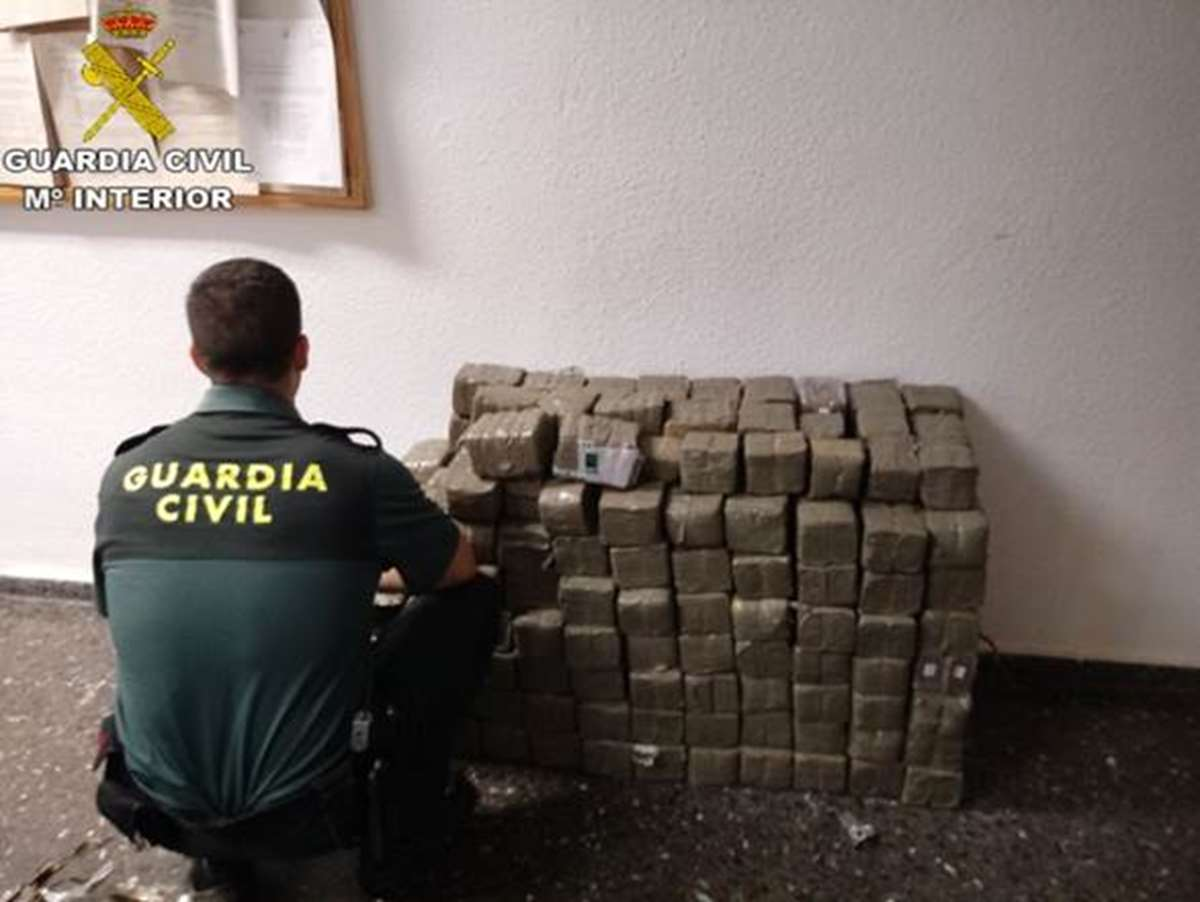 La Guardia Civil interviene 280 kilos de hachís en Sagunto (Valencia)