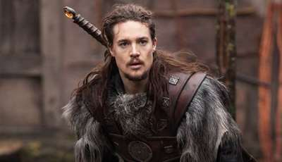 The Last Kingdom: El padre Beocca y Hild frente a Uhtred